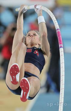 Mary Sauer (USA) places 14th in the womens pole vault at 14-1 1/4 (4.30m) in the 2012 IAAF World Indoor Championships at the Atakoy Athletics Arena.