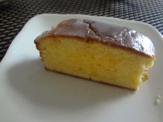 【nanapi】 材料(パウンド型1個分)小麦粉:100g無塩バター(今回はマーガリンを使用):100gグラニュー糖(なければ砂糖でOK):100gベーキングパウダー:小さじ1卵:2個レモン:1個(市販のレモン汁商品を使用する場合は30ml目安)アイシング用レモン汁:大さじ2粉砂...