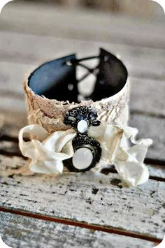 Beautiful cuff.  Counting Your Blessings blog.