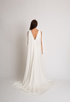 The most elegant back of a wedding dress with this Alexandra Grecco Samantha Gown have a built in cap! Boho Wedding Dress, Bridal Dresses, Wedding Gowns, One Shoulder Wedding Dress, Minimalist Gown, Gowns With Sleeves, Bridal Fashion Week, Portrait, Wedding Styles