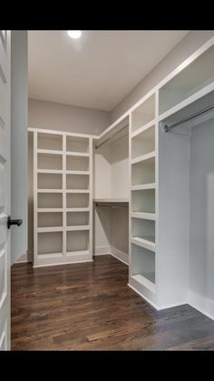 Large or small, a custom-designed closet will maximize your storage space while providing a home for all elements of your wardrobe. Master Closet Design, Walk In Closet Design, Master Bedroom Closet, Closet Designs, Diy Custom Closet, Custom Closet Design, Custom Closets, Closet Renovation, Closet Remodel
