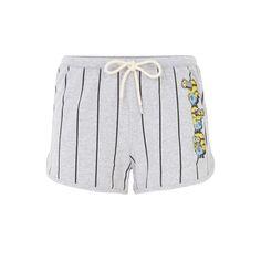 Oups, je suis de plus en plus short ! Short gris clair chiné rayé Les Minions. Taille haute. Lien blanc à nouer à la ceinture.