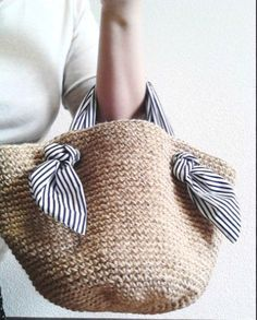Crochet pattern for Tapestry Bag-Clutch. Crochet one bag with two purposes. In one piece, learn tapestry crochet. - Her Crochet Crochet Shell Stitch, Crochet Tote, Crochet Handbags, Crochet Purses, Diy Crochet, Crochet Summer, Crochet Ideas, Crochet Fabric, Purse Patterns
