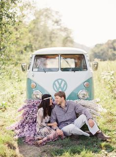 An engagement picture VW Bus
