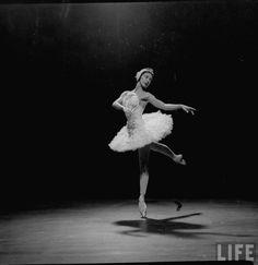 Margot Fonteyn, photographed by Gjon Mili, 1950