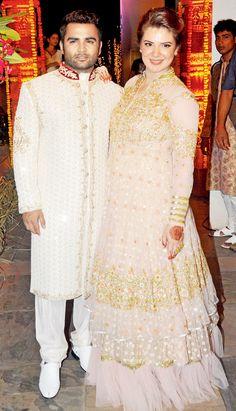 Sachiin Joshi with wife Urvashi at a Diwali bash. #Bollywood #Fashion #Style #Beauty