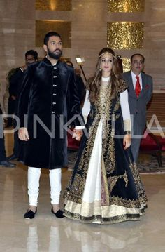 Cricketer Yuvraj Singh and girlfriend Hazel Keech have today tied the knot in a ceremony attended by close pals and relatives. Post a grand pre-weddi...