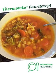 Vegetable soup from Kolibry. A Thermomix ® recipe from the soups category on www.de, the Thermomix ® Community. Vegetable soup healthy filler Anke Rustemeier anke_rustemeier Thermomix Vegetable soup from Kolibry. A Thermomix ® recipe fro Salad Recipes Healthy Lunch, Salad Recipes For Dinner, Chicken Salad Recipes, Lunch Recipes, Meat Recipes, Salads For A Crowd, Easy Salads, Food For A Crowd, Vegetable Soup Healthy