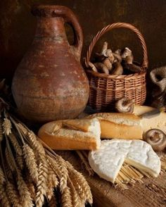 anyka (from Belgium) ~ Rustic country still life of bread, cheese and an old wine jar Country Life, Country Living, Artisan Boulanger, French Country Kitchens, Little Corner, Our Daily Bread, Wine Cheese, Kitchen Photos, Rustic Furniture