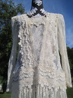 Indie lace Dress beautifully vintage.
