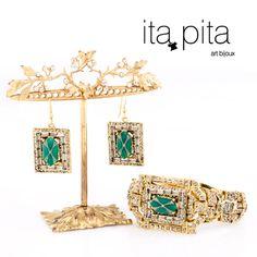 Ita-pita Brazalete  brillo elaborado en  bronce con baño en oro piedra en jade y aretes E-298 dorados  geométricos con jades.