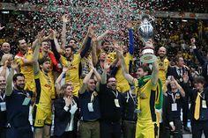VISTO DAL basso    : VOLLEY & BASKET Coppa Italia: al Forum ha stravint...