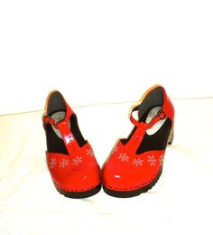FREESHIP Darling Red Patent Leather Round Toe w/ by aintweswank