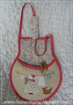 Bag for clothespins, to hang around the neck Very practical .-Bolsa para pinzas de ropa, para colgarla al cuello ¡Muy práctica! Clothes clip bag to hang around the neck Very practical! Easy Sewing Projects, Sewing Crafts, Clothes Clips, Clothespin Bag, Primitive Stitchery, Peg Bag, Plastic Bag Holders, Crochet Boots, Hand Embroidery Patterns
