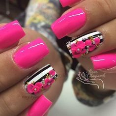 30 Gorgeous nail art designs that you will really love - Reny styles - nail design Fabulous Nails, Gorgeous Nails, Pretty Nails, Nail Art Hacks, Easy Nail Art, Flower Nail Designs, Nail Art Designs, Fancy Nails Designs, 3d Flower Nails