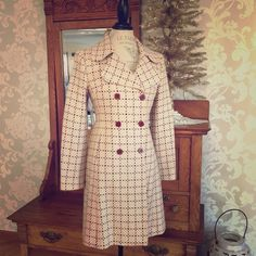Beautiful ~ NWOT United Colors of Benetton coat Super stylish coat ~ cream with burgundy/mauve buttons and flecks of color throughout! Such a great coat ~ it fits just a bit too small for me!  you will absolutely love it!! ☺️ United Colors Of Benetton Jackets & Coats