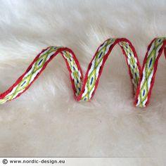 Brickvävt band, Eye röd-grön, 254 cm