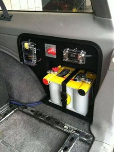 Dual battery for my Jeep? Jeep Xj Mods, Jeep Zj, Truck Mods, Jeep Truck, Srt Jeep, Chevy Trucks, Pickup Trucks, Accessoires Camping Car, Pajero Sport