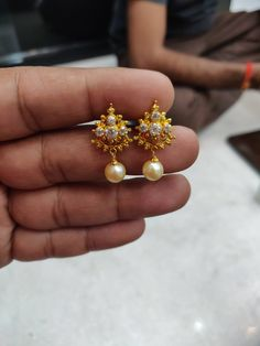 Gold Earrings For Women, Real Gold Jewelry, Gold Wedding Jewelry, Gold Earrings Designs, Gold Jewellery Design, Beaded Jewelry, Gold Jhumka Earrings, Gold Bridal Earrings, Gold Necklace