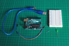 In diesem Tutorial führst du dein erstes Projekt durch. Mache erste Programmiererfahrungen mit der Arduino IDE und bring deine erste LED zu leuchten.