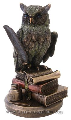 1976_owl-on-books-statue-bronze.jpg (411×700)