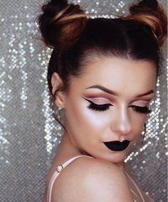 'Black Velvet' Velvetine via @aniserux_mua