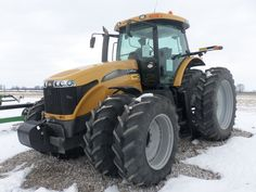 Challenger MT675C tractor