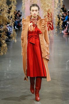 4c5025189a5f The complete Ulla Johnson Fall 2018 Ready-to-Wear fashion show now on Vogue  Runway.