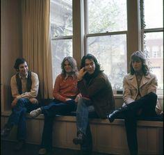 Sitting pretty: Big Star at rest (L-R: Chris Bell, Alex Chilton, Andy Hummel, Jody Stephens). Great Bands, Cool Bands, Alex Chilton, Rock Band Photos, Wave Rock, A Moment To Remember, Power Pop, Memphis Tennessee, Cool Rocks