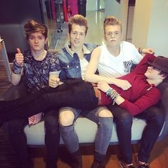 the Vamps. Tristan what's on your face? Lol