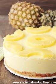 Look at how refreshing this pineapple tart is! Receta paso a paso. Sweet Desserts, Easy Desserts, Sweet Recipes, Delicious Desserts, Dessert Recipes, Yummy Food, Cupcake Cakes, Cupcakes, Cold Cake