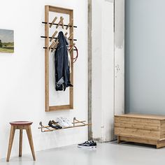 Schoenenrek - We Do Wood https://www.livingdesign.be/nl/producten/detail/schoenenrek-we-do-wood