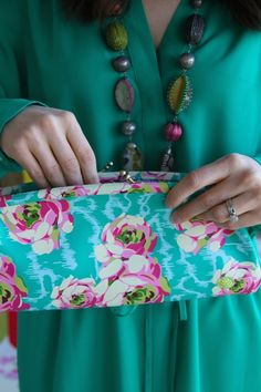Amy Butler's Cameo Clutch, part of the Hapi Sunrise collection from Kalencom.