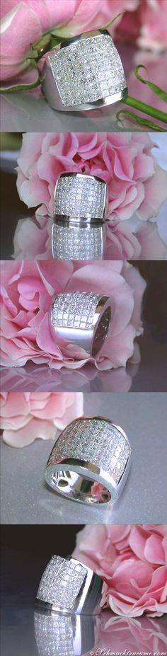Sensational Princess Cut Diamond Ring   5,65 ct. G VS   Whitegold 18k - schmucktraeume.com Like: https://www.facebook.com/Noble-Juwelen-150871984924926/