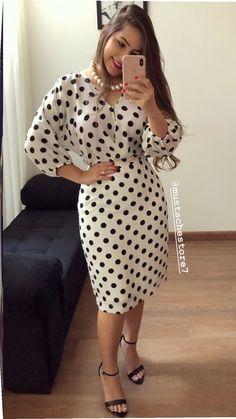 Trend Fashion, Abaya Fashion, Fashion Dresses, Polka Dot Bodycon Dresses, Dot Dress, Classy Dress, Classy Outfits, Nice Dresses, Casual Dresses