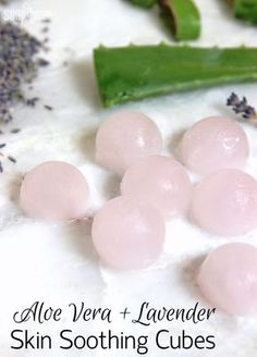 Made with aloe vera liquid and lavende… Aloe Vera + Lavender Skin Soothing Cubes. Made with aloe vera liquid and lavender essential oil, these cubes help soothe irritated or burned skin. Aloe Vera Liquid, Fresh Aloe Vera, Diy Cosmetic, Lotion Bars, Diy Lotion, Homemade Beauty Products, Belleza Natural, Beauty Recipe, Diy Skin Care