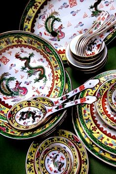 """Old Dinner Set China Peranakan Style""Herry Ashari Collections"