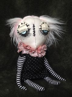 """Fiona"" from my new line of dolls that I'm calling the DANDY'S. Look for them in my etsy shop http://www.themdollz.com"