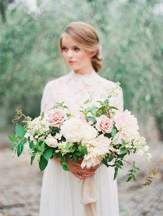 Gorgeous blush and white garden-style bouquet. Kurt Boomer photography. Florist: Plenty of Petals #wedding #flowers