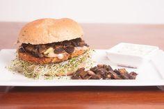 Atenção Vegetarianos!!! Temos o Mediterranean Veggie Burger , hambúrguer feito de grão de bico, alcachofra, azeitona chilena e espinafre. Acompanha queijo, ricota defumada e cogumelo paris. #hautecuisines Mediterranean Veggie Burger  Temos Delivery também: Pedidos Já // ifood // meatless ou whats 941152754. #Veggie #gourmet #gurger #hamburgueriaducatti