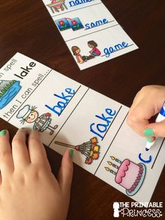 """This CVC Practice for Kindergarten will teach your students """"If I Can Spell"""" one word, I can spell many other words just by changing one letter! Kindergarten Language Arts, Kindergarten Literacy, Early Literacy, Cvce Words, Rhyming Words, Word Study, Word Work, Teaching Phonics, Teaching Resources"""