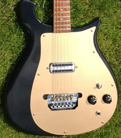 Vintage '60's Rickenbacker 425 Electric Guitar Rare Guitars, Vintage Guitars, Guitar City, Rickenbacker Guitar, Toot, Cool Guitar, Playing Guitar, The Beatles, Bass