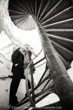 engagement pics at cape-henry-fort-story-lighthouse-va beach