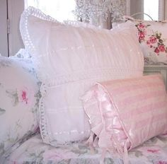 Vintage Shabby Chic Pillow Shams : 1000+ images about ~~vintage linens~~ sigh on Pinterest Vintage tablecloths, Vintage linen and ...