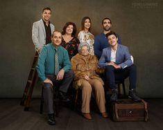 Mais uma vez tive o grande prazer de fotografar esta belíssima família. Comportaram-se todos como se fossem modelos profissionais... não deram hipóteses hahaha.  Para mais info: http://pedrogameiro.com