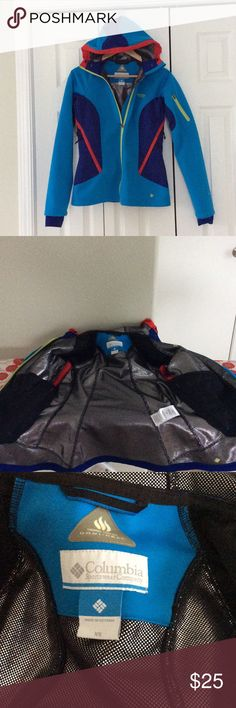 Columbia thermal omni heat jacket Like-new Columbia sportswear omni heat jacket in blue. Lots of pockets, hood with adjustable elastic toggle, hand warmers, adjustable under-arm ventilation. This jacket is hip length on my 5'5 frame. Columbia Jackets & Coats Utility Jackets