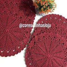 Cores e linhas (@coreselinhasloja) • Fotos y vídeos de Instagram Winter Hats, Crochet Hats, Instagram, Crochet Hearts, Roses, Tejidos, Flowers, Blouse, Dishes