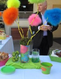 Dr. Suess Theme Party Decore I'm so gonna have this at one of my parties someday