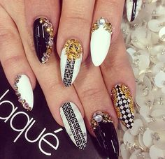 Nails fashion 💗 discovered by Tmtm Style on We Heart It Gorgeous Nails, Love Nails, How To Do Nails, Pretty Nails, Fun Nails, Cool Nail Designs, Acrylic Nail Designs, Acrylic Nails, Garra