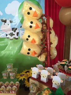 The Farm Birthday Party Ideas Farm Animal Party, Farm Animal Birthday, Barnyard Party, Farm Birthday, 2nd Birthday Parties, Birthday Party Decorations, Farm Decorations, Party Ideas, Wedding Favors